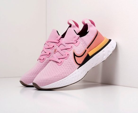 Nike React Infinity Run pink