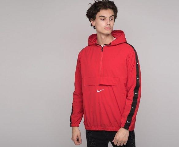Ветровка Nike красная