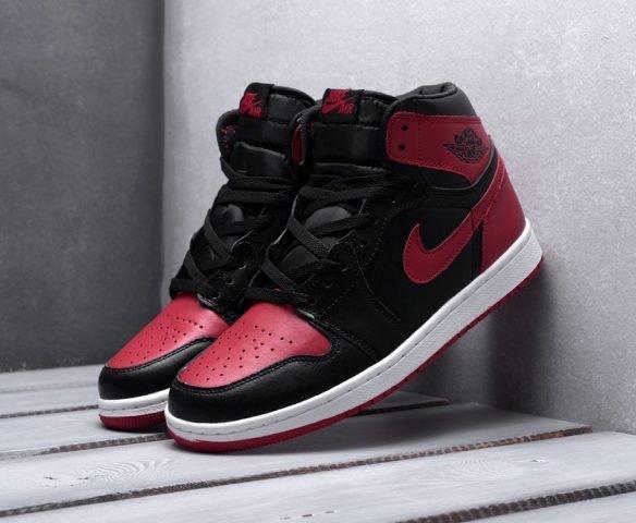 Nike Air Jordan 1 high black-red