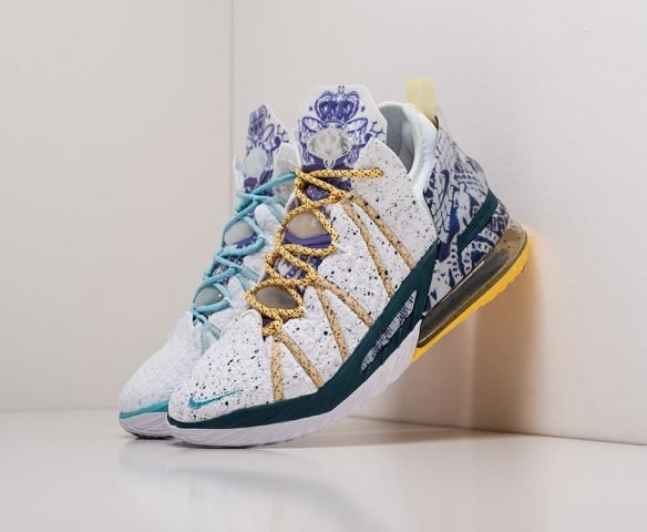 Nike Lebron XVIII белые