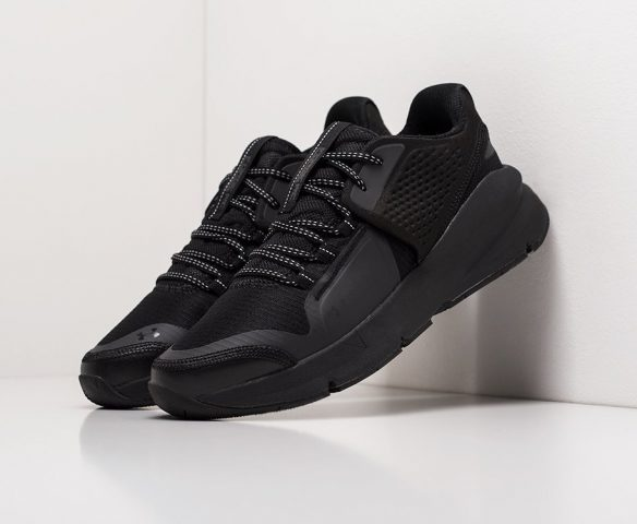 Under Armour Forge RC black
