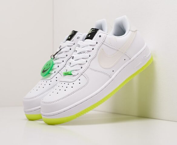 Nike Air Force 1 Low white man